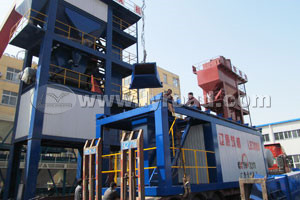Customer visit our asphalt plant factory