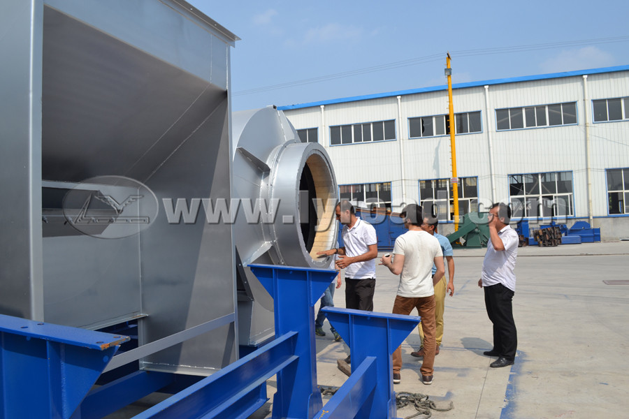 Turkmenistan customer visit our asphalt mixing plant and concrete batching plant